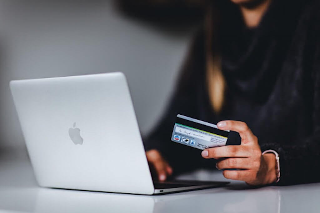 Will Online Shopping Remain as Popular Post-Pandemic? - 365BusinessTips Guest Post - Replyco Helpdesk Software for eCommerce